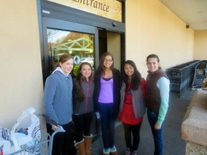Ardsley High School's Silver Lining Club collected food donations for us at DeCicco's Market on Sunday, Nov. 10th.